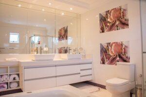 bathroom 1622403 640 300x200