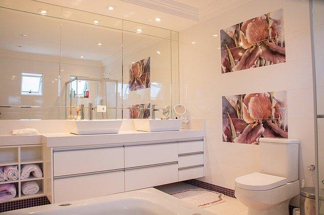 bathroom 1622403 640