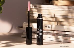 the one wonderlash 5in1 mascara black 42119 300x196